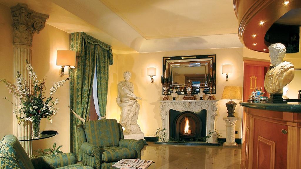 Hotel-Colonna-Frascati-hall-34