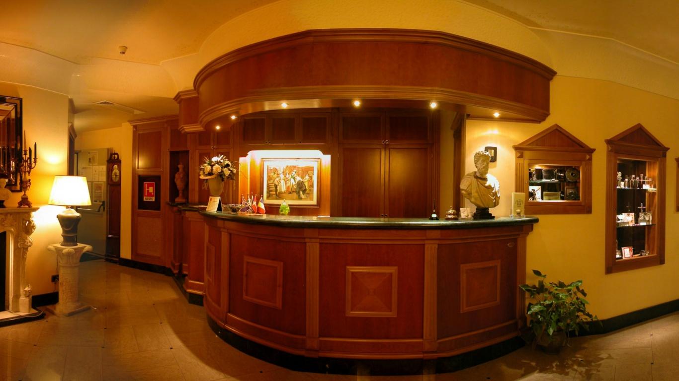 Hotel-Colonna-Frascati-hall-7