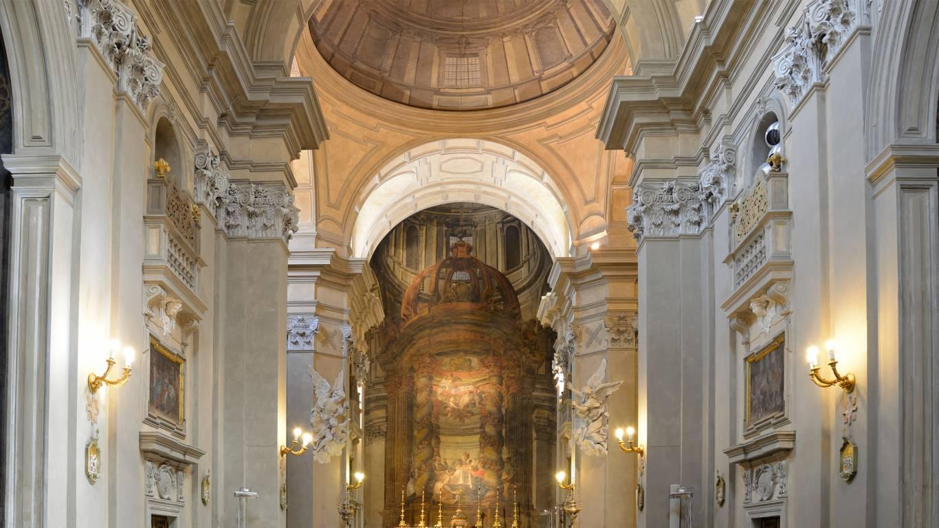 Hotel-Colonna-Frascati-chiesa-del-gesu